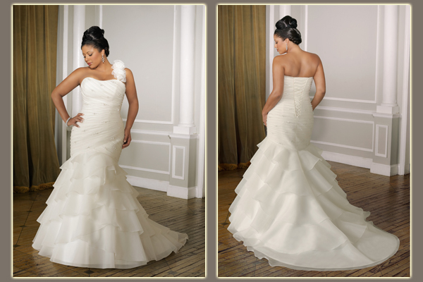 How To Find The Perfect Wedding Dress For You Curvy Bride