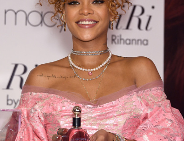 animal-rights-protesters-crash-rihannas-perfume-launch