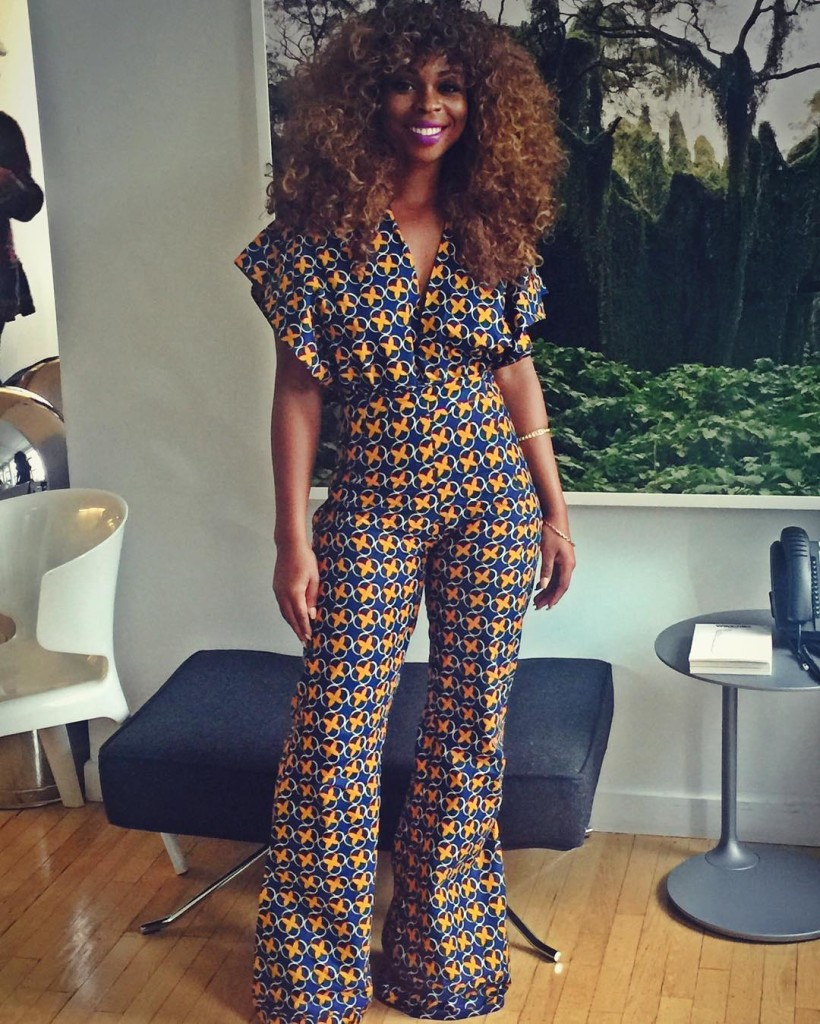 I particularly love the style of this jumpsuit! So pretty and classy!