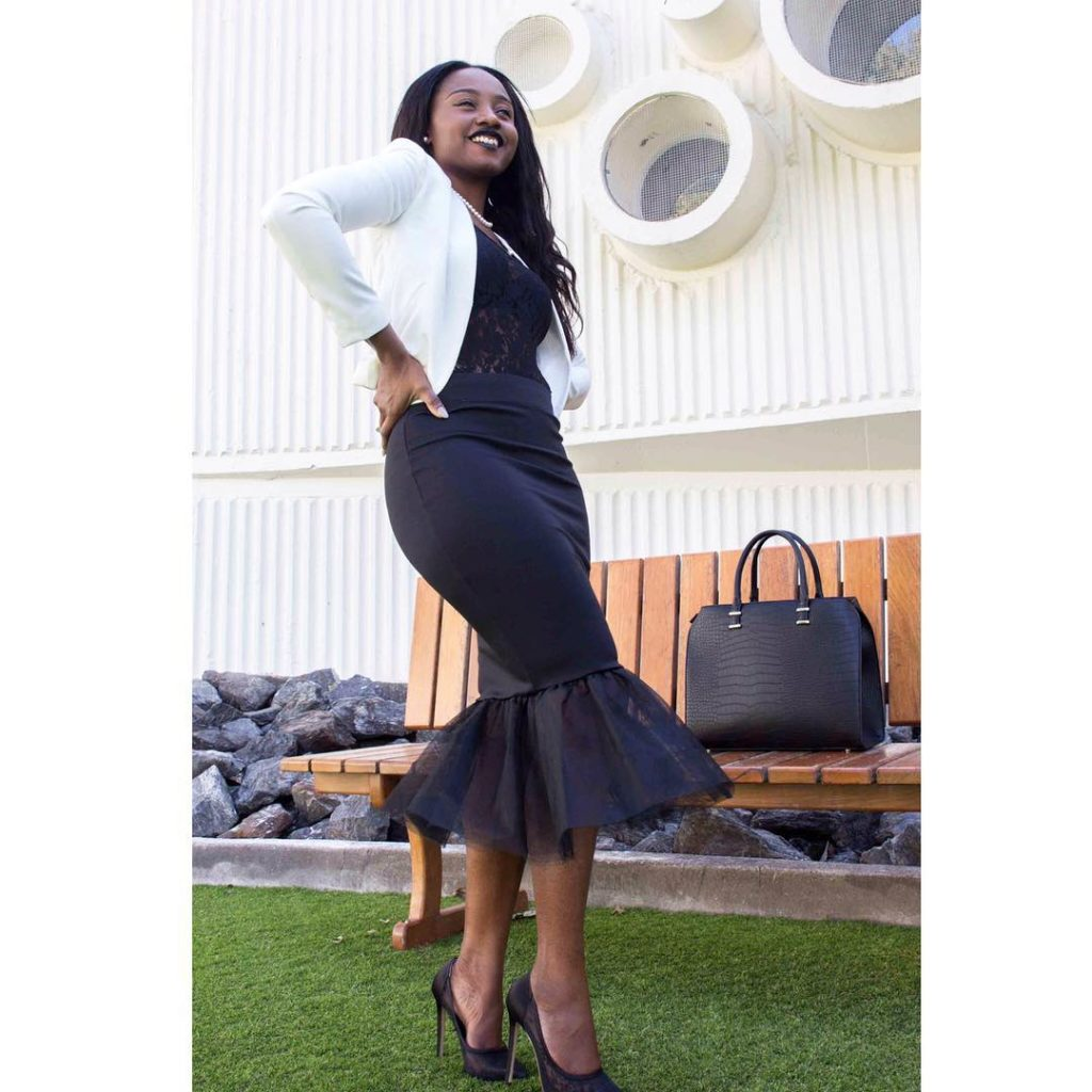 Look 3: Yaaas! @sonish_space giving us the hot peplum skirt look..paired with a white blazer!