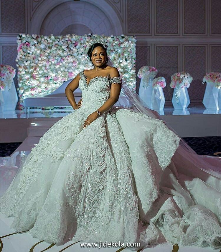 See The Wedding Dress that Weighed More Than 100Kg - AdeLove.com ...