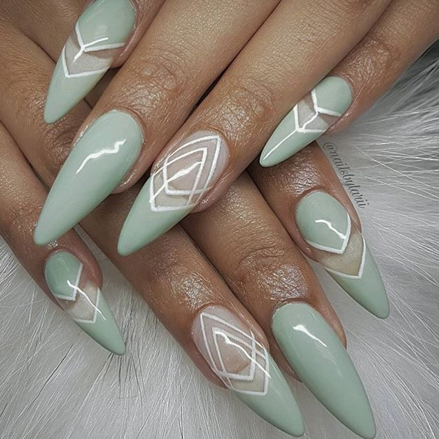 17 gorgeous wedding nails art perfect for the big day kamdora wedding nails junglespirit Image collections