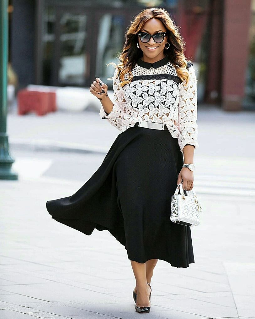 Perfect way to combine the lace top on a flared skirt!