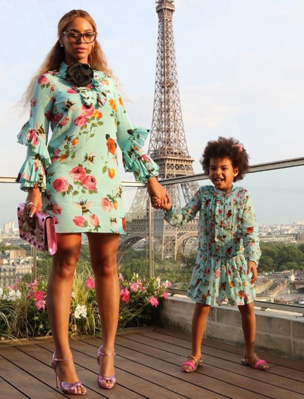 Beyonce wearing the Gucci Allie Knotted Strappy Sandal