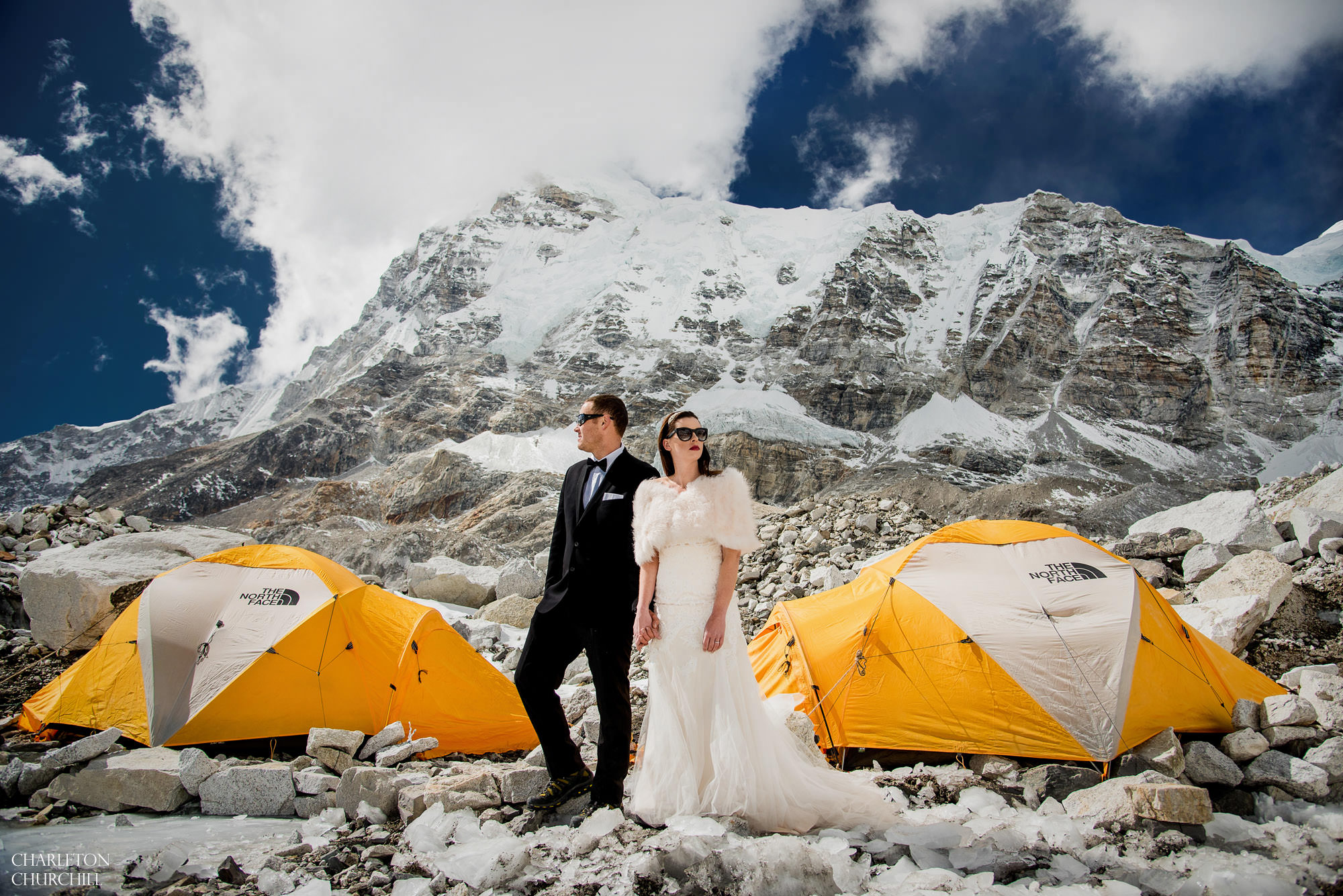 This Couple Had Their Wedding On Mount Everest And The ...
