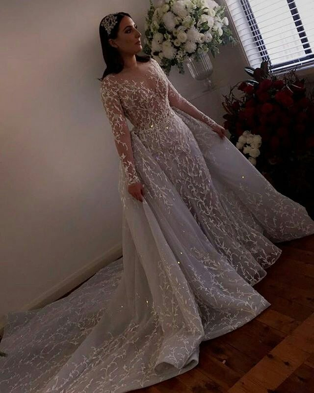 overskirt3 - Bridal Overskirts Are The Latest Bridal Trend Now