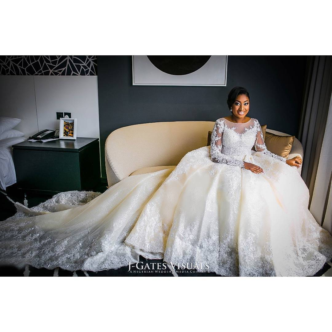 overskirt6 - Bridal Overskirts Are The Latest Bridal Trend Now
