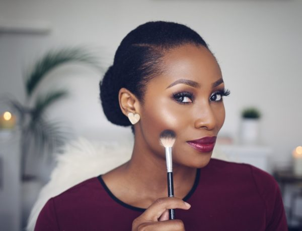 Dimma Umeh Thatigbochick. Top 5 highlighters for black women
