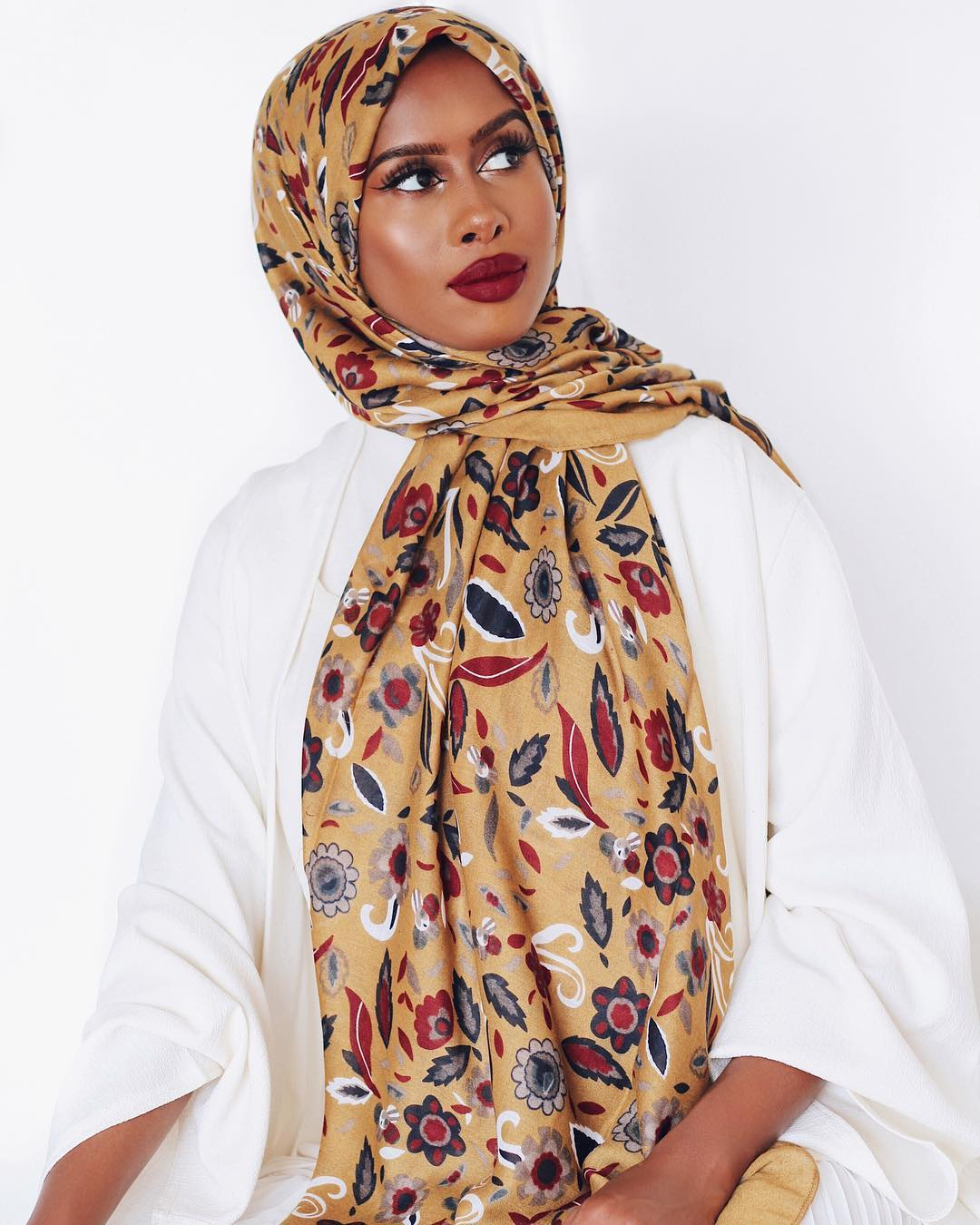 Fashionable hijab styles step by